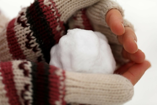 fingerless snowball
