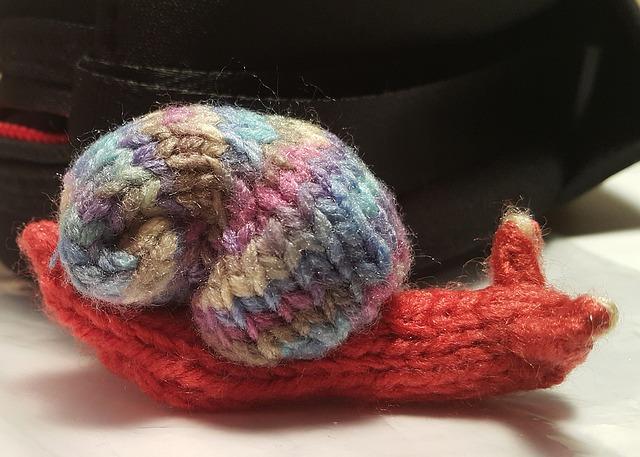 Knitted snail.jpg