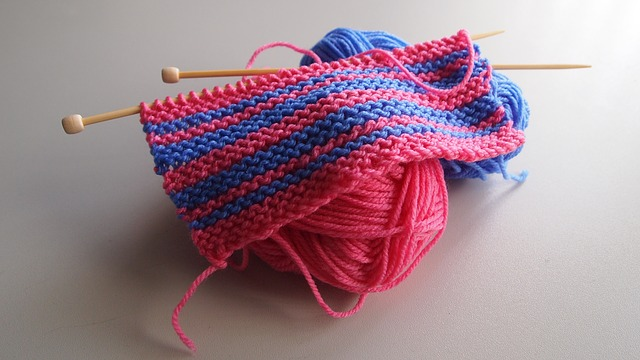 Two color garter stitch.jpg