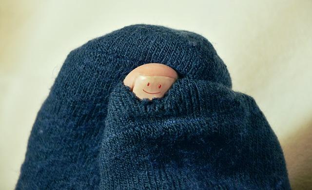 Sock w hole in toe.jpg