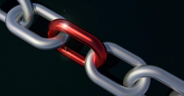 chain red link cgi.jpg