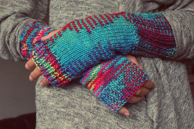 Fingerlss gloves.jpg