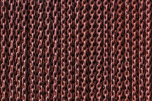 chain curtain.jpg