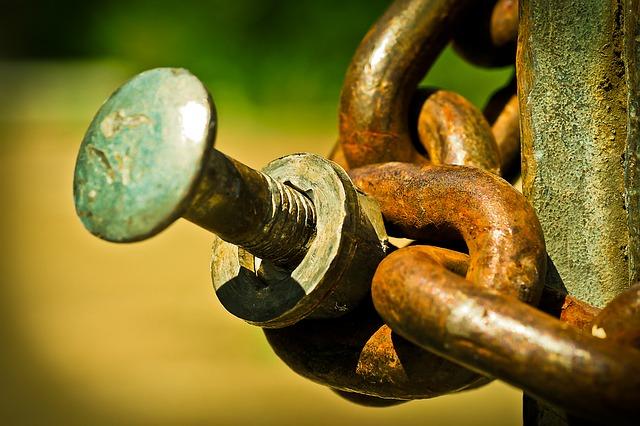 chain w bolt.jpg