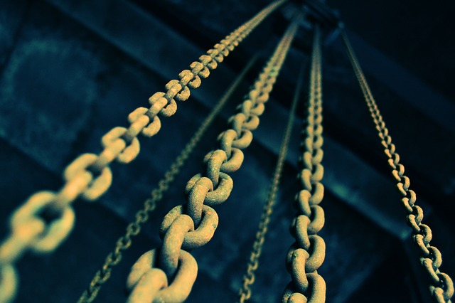 chains to infinity